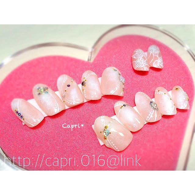 ブライダル用にnailチップ。オーダーはドレスに合わせて唐津のネイルサロン『Capri』http://capri.016.link#オーダーネイルチップ#スペアも付けちゃってます#幸せになってください