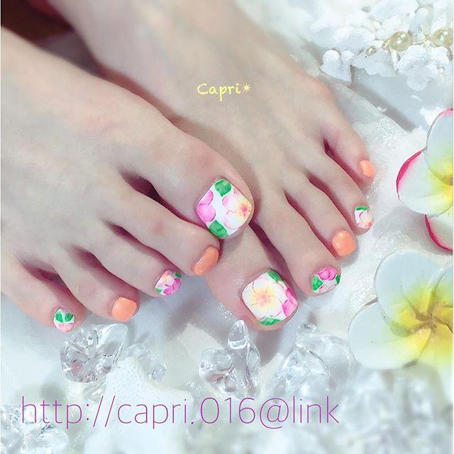 8月までcampaignです!『nail off 無料』http://capri.016.link/・今回は...プルメリアnail絵画調の仕上がりです・デザイン技術料角質ケアフットマッサージ込み.....計¥12,800・#唐津ネイル #capri #8月もcampaign中!