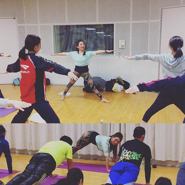 JA佐賀信連の方へのyogaレッスン。・皆さんの仲睦まじい雰囲気にこちらも楽しませてもらいました・若い男性が多く、スポーツをされていることもあり少しhardな動きを取り入れたのもあって・笑いの中にも集中力が高まり、皆さんの真剣な様子が印象的でした。・yogaによって少しでも心と身体が軽くなってくれることが私の喜びです・http://yogamate.016.link/#佐賀yoga#JA佐賀信連の皆さんと#男女共にレッツyoga!