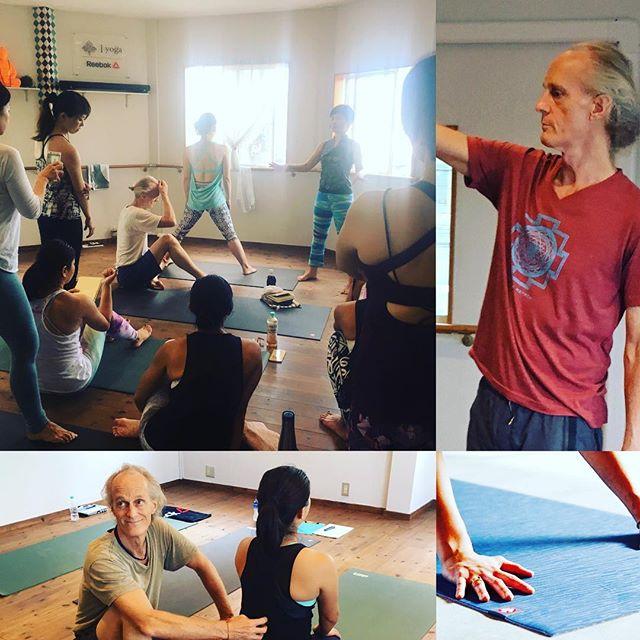 3日間のChuck Miller-チャック・ミラー-先生のWSに参加しました・yogaだけでは語りきれない壮大な世界観。・貴重な体験から私自身も少し変化を感じた3日間でした・Chuck Miller/世界的なアシュタンガヨガブームを牽引してきたヨガティーチャーで、全米でヨガスタジオをチェーン展開する「YogaWorks」の創始者のひとり、チャック・ミラー先生は、1971年よりヨーガを始め、1980年にパタビジョイス師に師事。2005年にはスタジオ経営から退陣し、現在は旅をしながら指導にあたる。ダイナミックなプラクティス実践と奥深い哲学システムの両側面からホリスティックに説くユニークな指導スタイルは世界中にファンが多い。・#Chuck Miller #yoga #アシュタンガ#asutangayoga