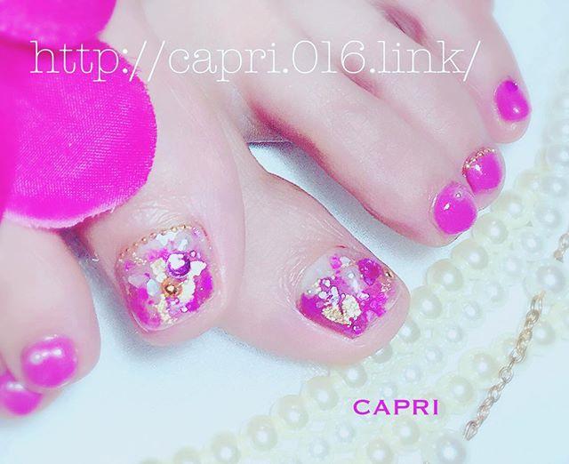 ビジュー ネイル・そろそろ寒さの季節も終わりになる頃。・少し春っぽいデザインが多くなってきました・宝石を散りばめたようなキラキラ感インパクトが強いピンク色で春の予感が漂わせる仕上がりです・http://capri.016.link/#唐津ネイル #カプリ #care #佐賀 #唐津 #ネイルサロン #ジェルネイル爪の強化 #光る #ジェル #art #アート#ART#爪#カプリ#癒し#capri #gelnail #nail #CAPRI#instagram#instagramnail #insta#gel#good#nailcare #唐津まつエク#大人ネイル#大人サロン#春の訪れネイル